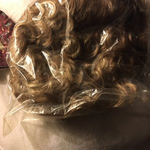wig Accessories - Curly blonde wig